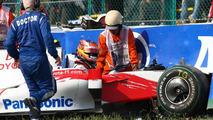 Timo Glock (GER), Toyota F1 Team crashed at the last corner - Formula 1 World Championship, Rd 15, Japanese Grand Prix, Suzuka, Japan, 03.10.2009