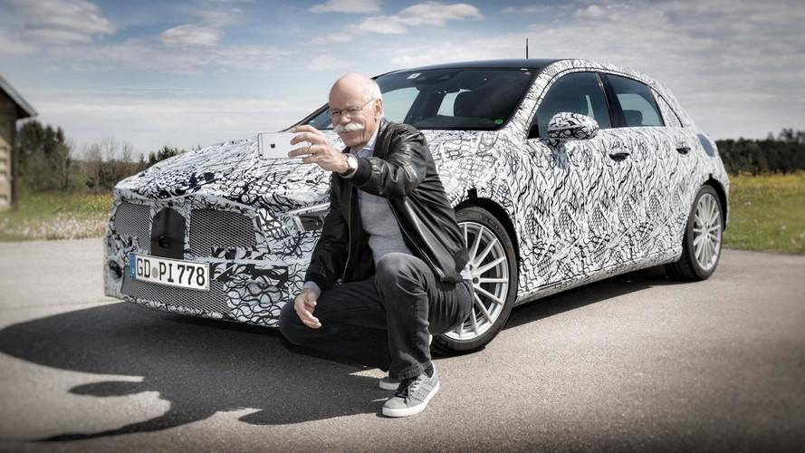 Novo Mercedes Classe A aparece em teaser publicado no Linkedin