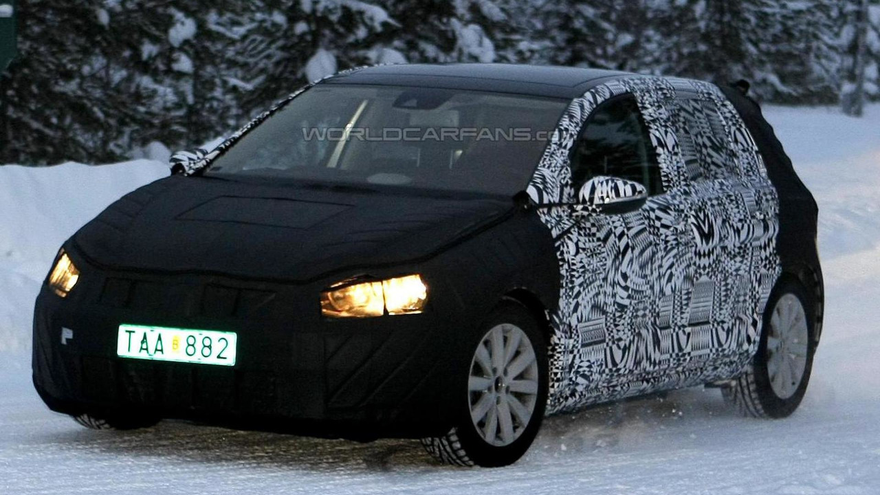 2013 Volkswagen Golf prototype winter testing spy photo