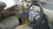 Flagra: Toyota Etios reestilizado aparece em testes... na Índia