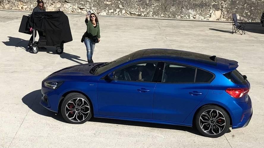 Yeni Ford Focus fotoğraf çekiminde kamuflajsız olarak görüntülendi [GÜNCEL]