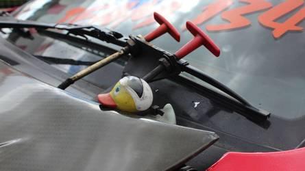 Gumikacsa és kézzel festett Nissan 370Z – érdekes részletek a Gymkhana Gridről