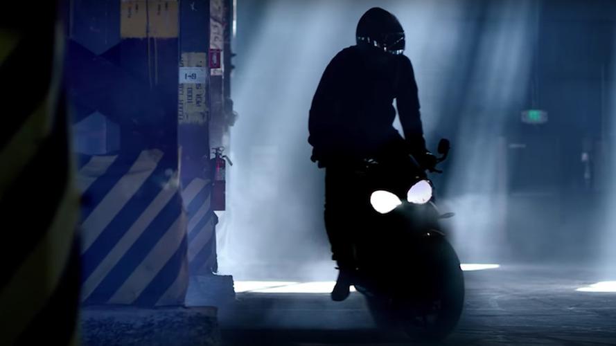 Triumph libera teaser da nova Street Triple 2017, que será apresentada em janeiro - vídeo