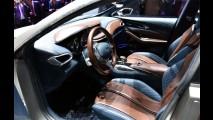 Esta é a primeira imagem oficial do Infiniti Q30, rival de Série 1 e A3