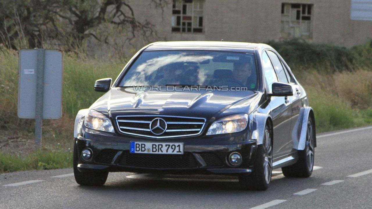 2012 Mercedes C63 AMG Black Series spy photo - 11.15.2010