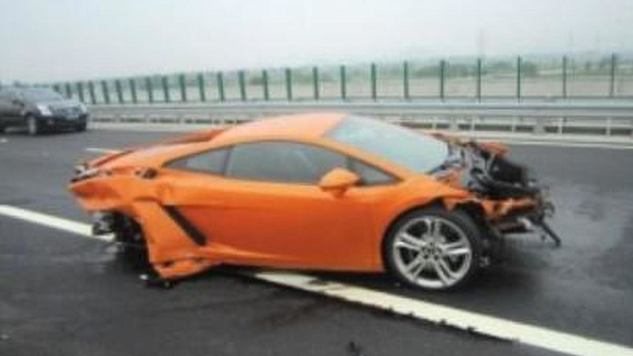 Lamborghini Gallardo totaled by Chinese journalist during test drive