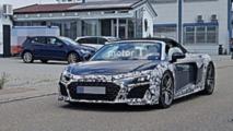 Audi R8 Spyder restylée en photos espion