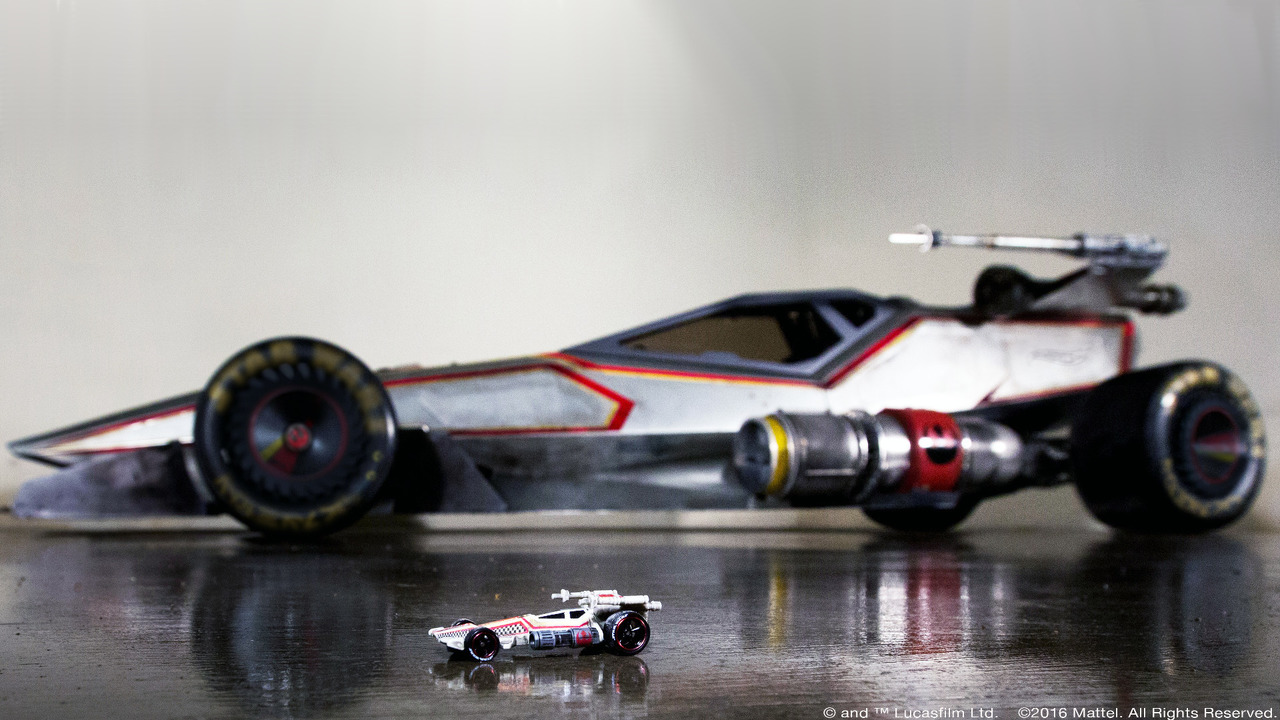 Hot Wheels X-Wing Carship