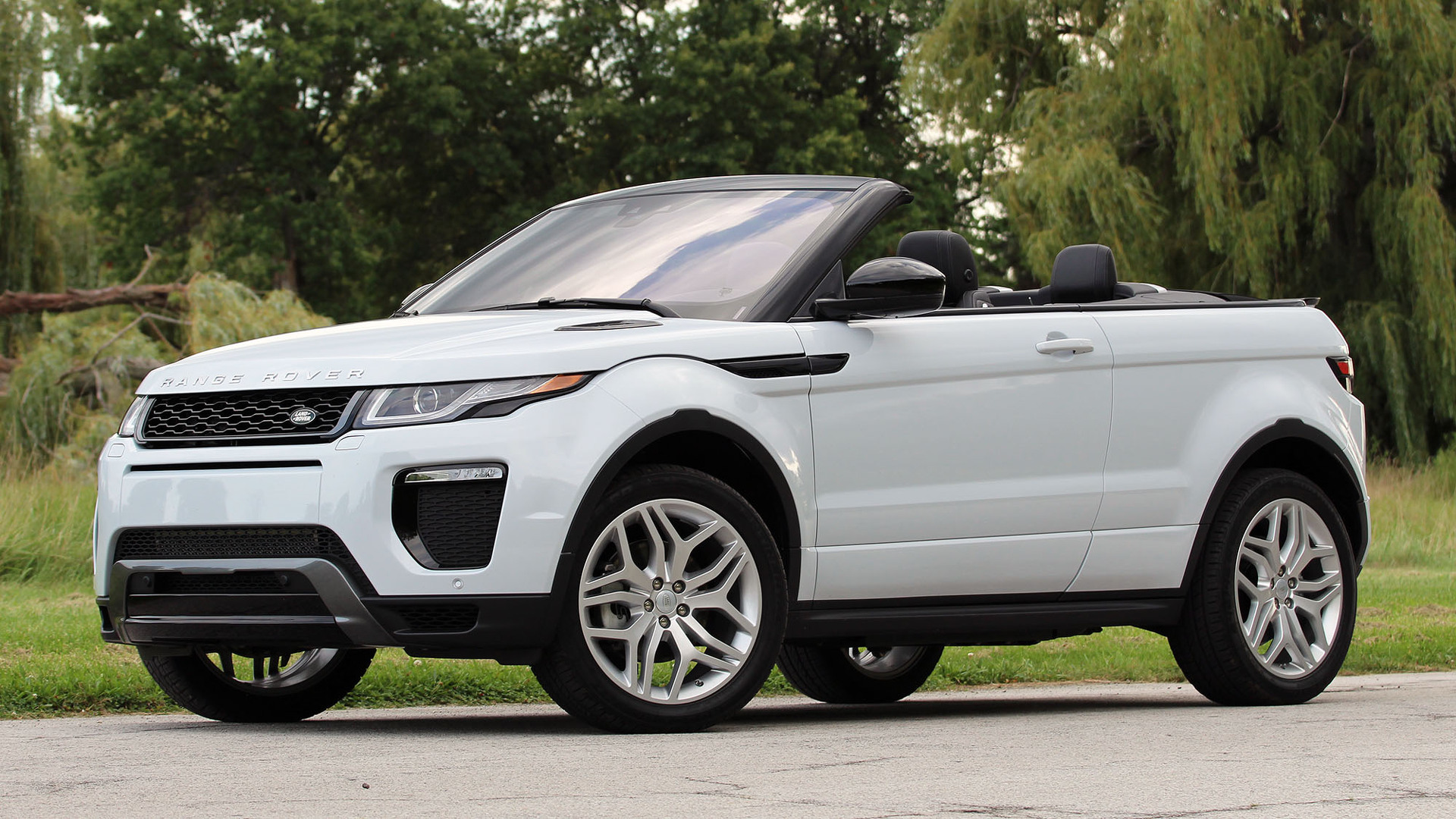 first drive 2017 land rover range rover evoque convertible. Black Bedroom Furniture Sets. Home Design Ideas