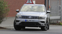 2017 Volkswagen Tiguan LWB spy photos