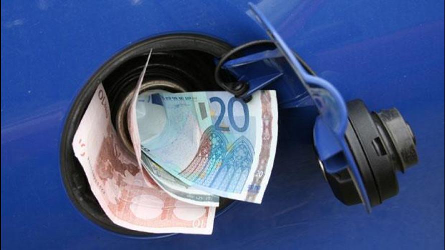 Benzina, fra rincari e proteste