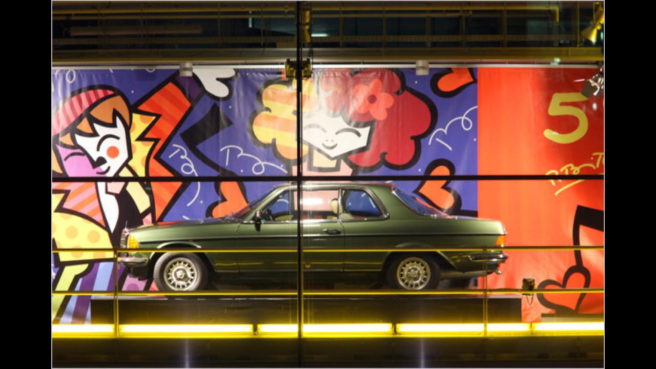 5. Dezember: Mercedes W 123, mit Romero Brittos ,Falling in Love