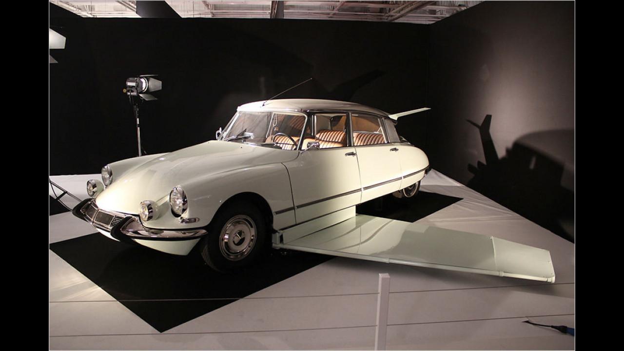 Citroën DS: Fantomas gegen Interpol (1965)