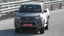 2016 Toyota Hilux spy photo
