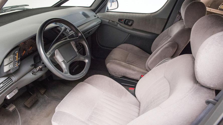1991 Pontiac Trans Port SE Auction