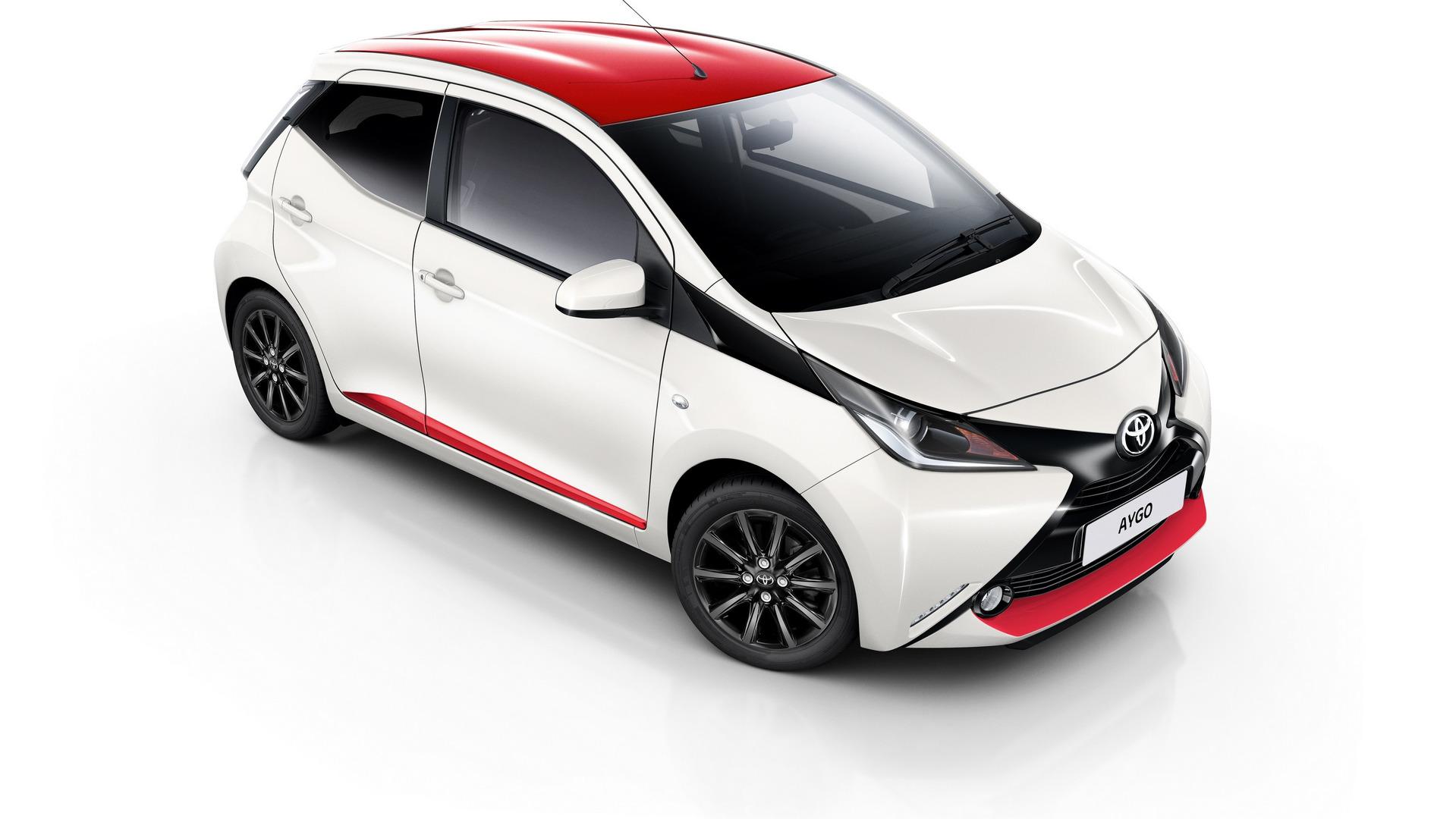 Toyota Yaris пороги боковые motorsport #8