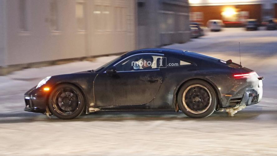 2019 Porsche 911 arka spoyleri aşağıdayken görüntülendi