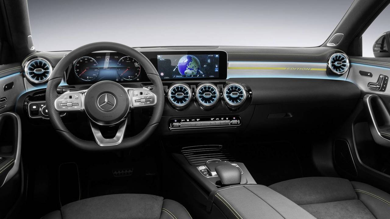 2018 Mercedes A-Class interior photo