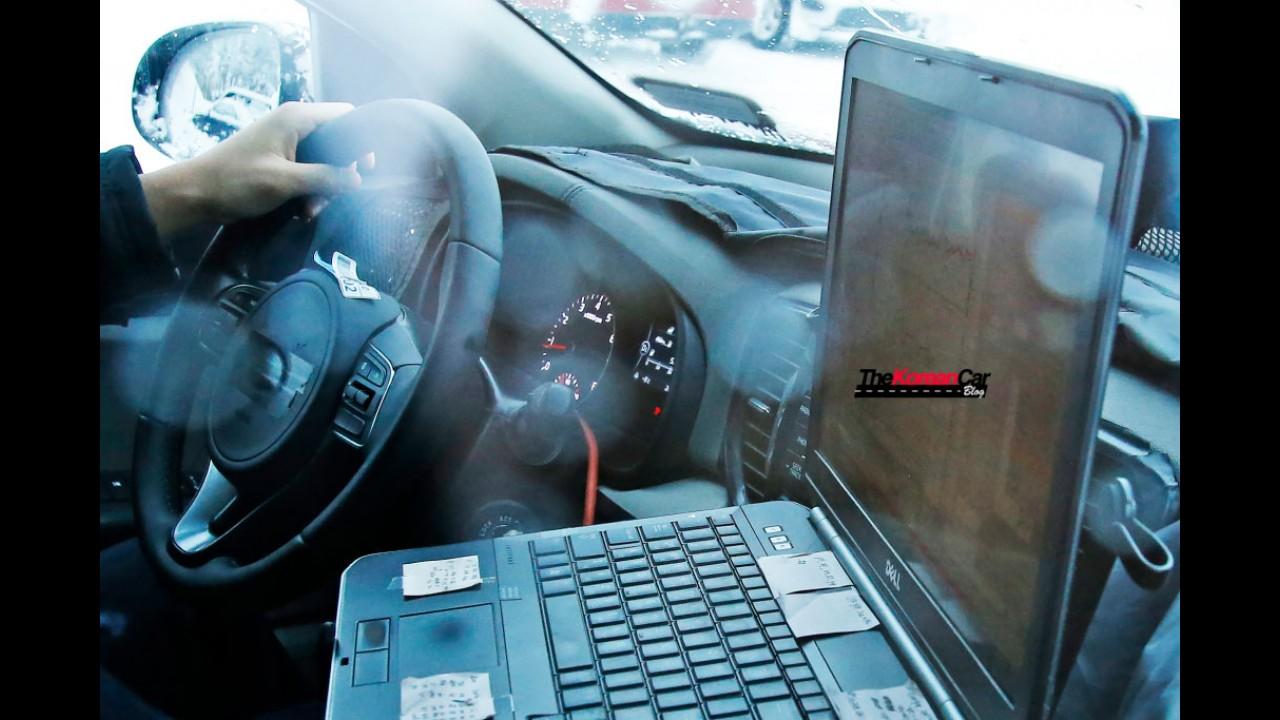 Flagra! Kia Sportage 2016 é pego novamente e revela novos faróis