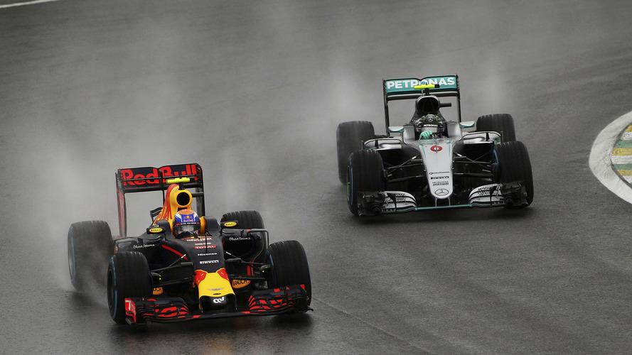Tocada de Verstappen na chuva em Interlagos rende comparações com Senna