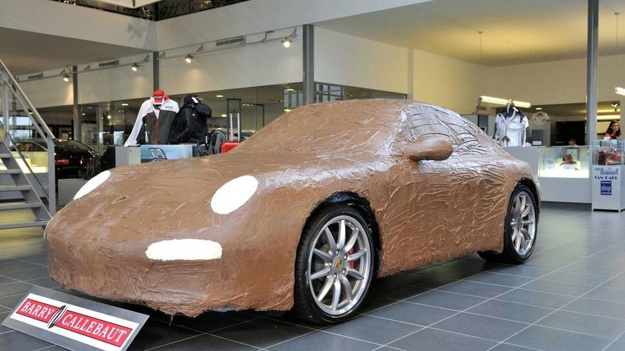 Porsche 911 Carrera S gets Draped in Chocolate