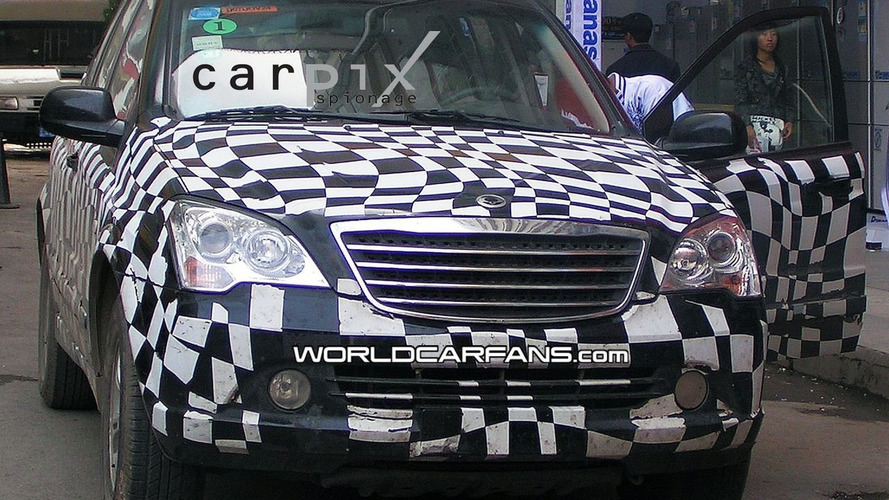 Spy Photos of Roewe/SsangYong and Possible MG SUV