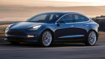 Tesla Model 3, le consegne ai primi 30 clienti americani [VIDEO]