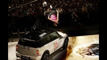 MINI vira obstáculo no Red Bull Art of Motion em São Paulo