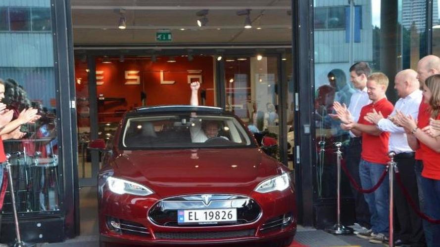 First Tesla Model S delivered in Europe