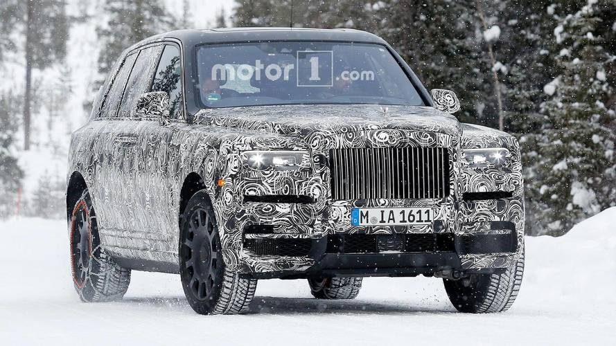 Rolls-Royce Cullinan SUV'u kamuflajlı olarak görüntülendi