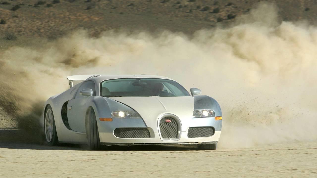 Bugatti Veyron - 250 mph