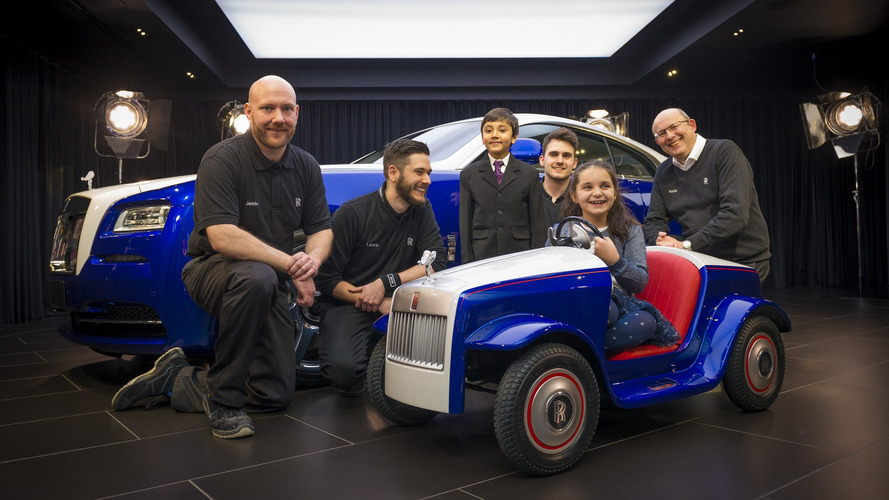 Rolls-Royce constrói carro para crianças usarem em hospital