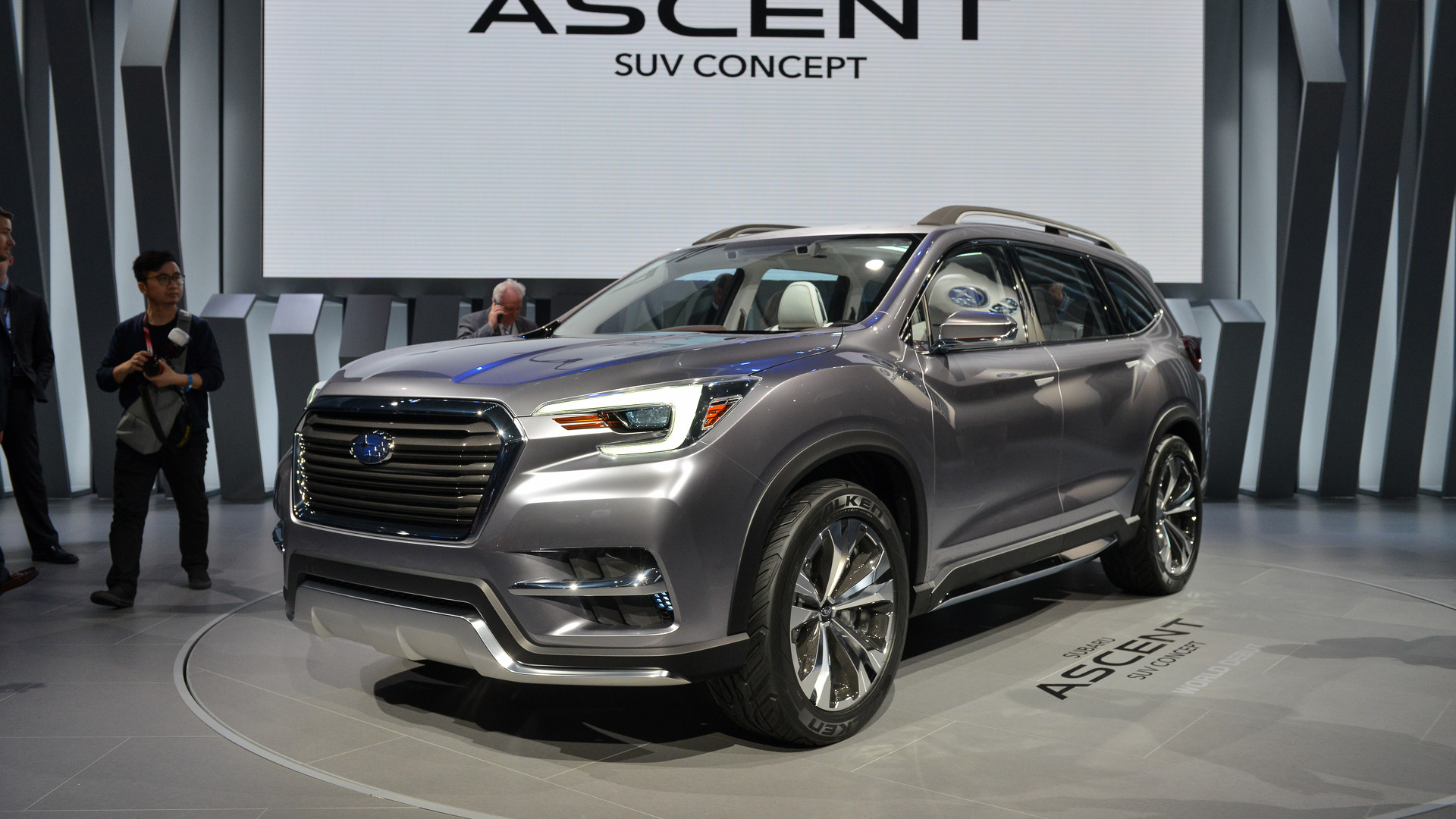 subaru ascent shown more production ready in ny. Black Bedroom Furniture Sets. Home Design Ideas