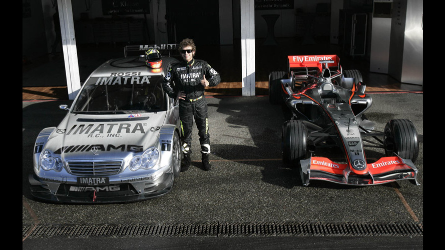 Valentino Rossi in pista con Mercedes DTM