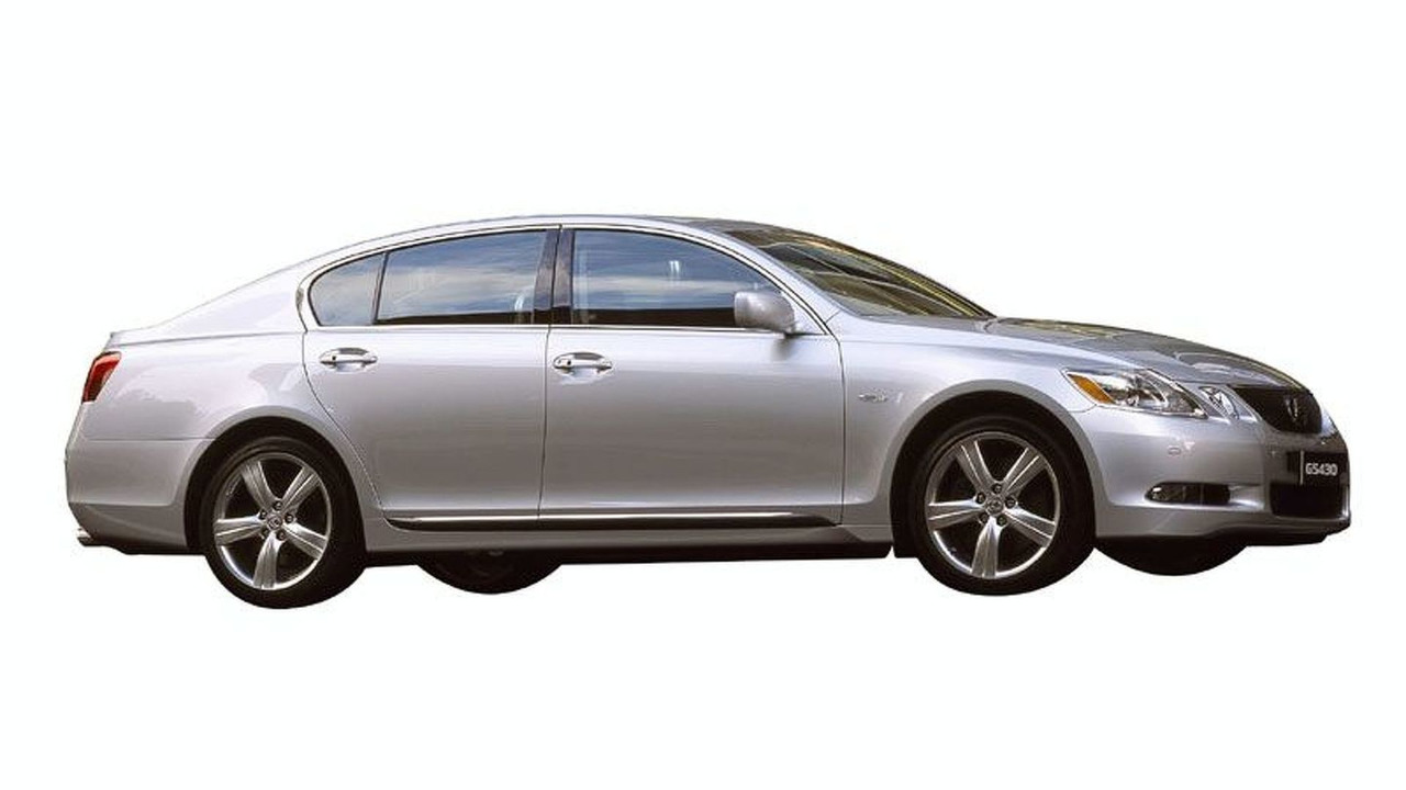 New Lexus GS430 side view