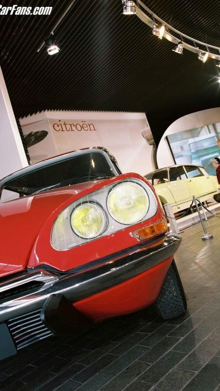 Art of Citroen at Beaulieu National Motor Museum