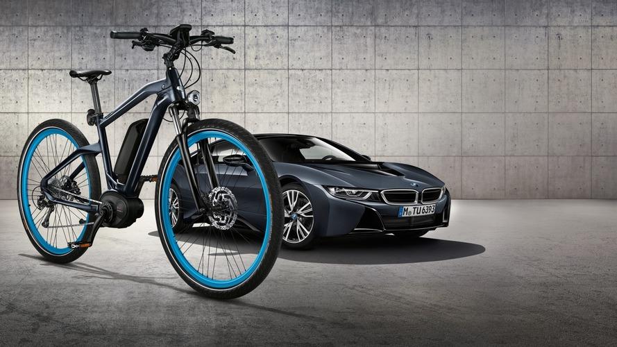 BMW Cruise e-Bike matches i8 Protonic Dark Silver Edition