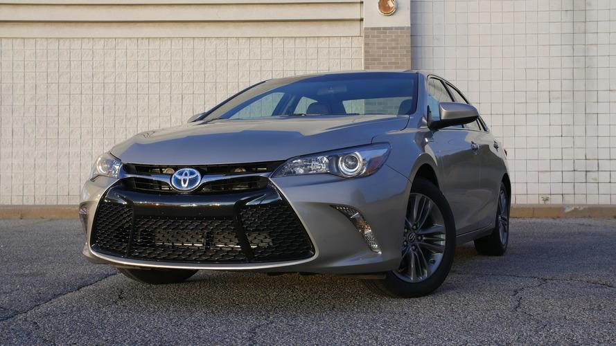 2017 Toyota Camry Hybrid | Will It Bike?