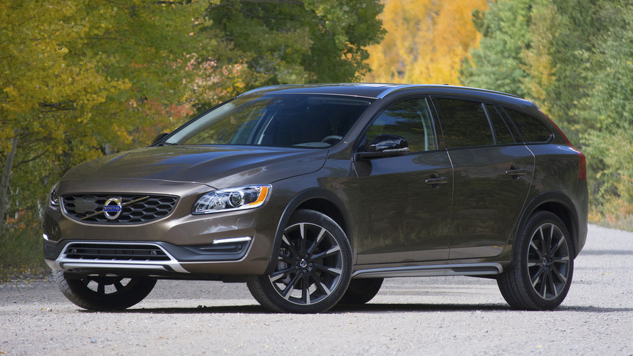 review 2017 volvo v60 cross country. Black Bedroom Furniture Sets. Home Design Ideas