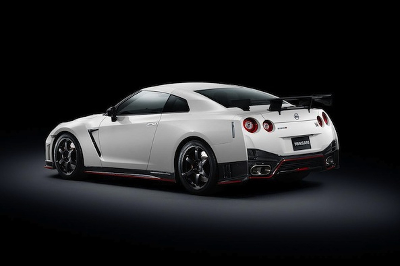 Nissan GT-R Nismo is Lighter, Faster, and Much Much Meaner