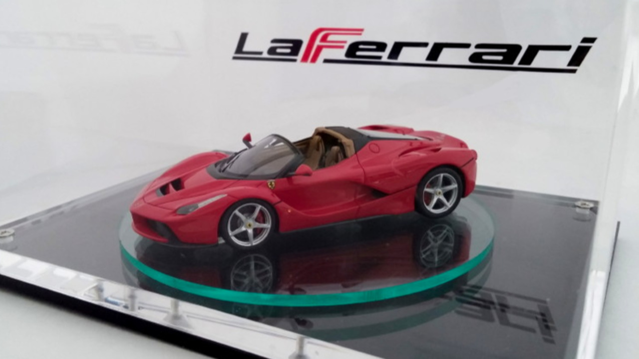 Ferrari LaFerrari Spider scale model