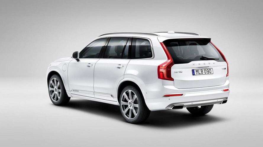 Crash testing the new Volvo XC90 [video]