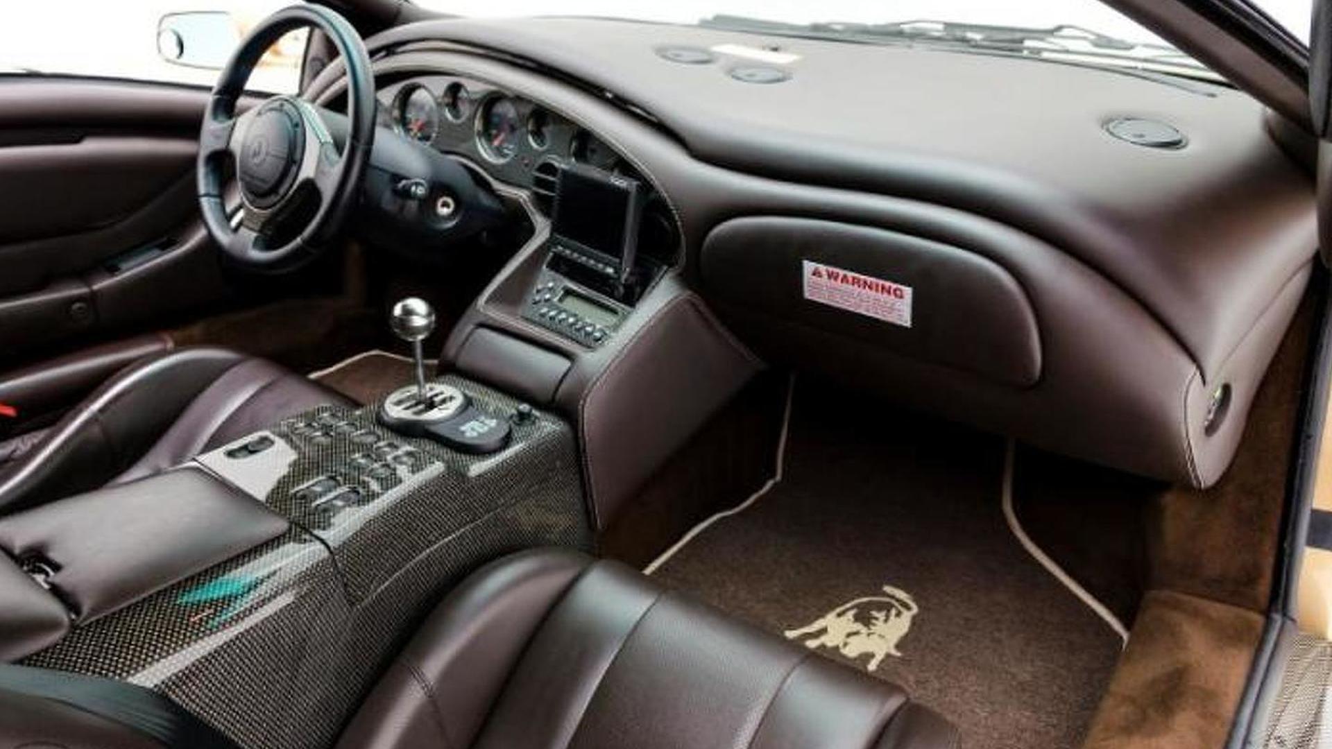 Фото салона Lamborghini Diablo 6.0 SE 2001 года