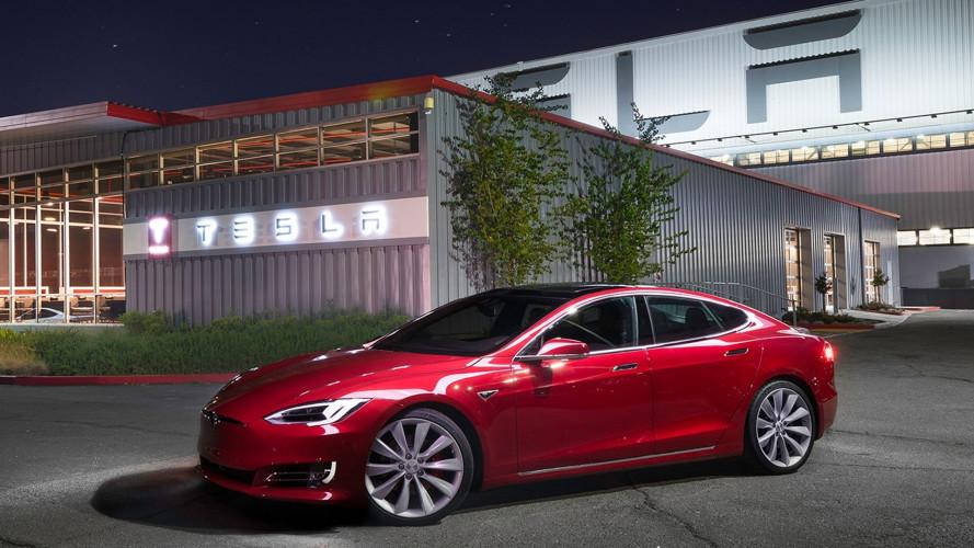 Tesla, cosa sta succedendo tra licenziamenti e bilanci in rosso