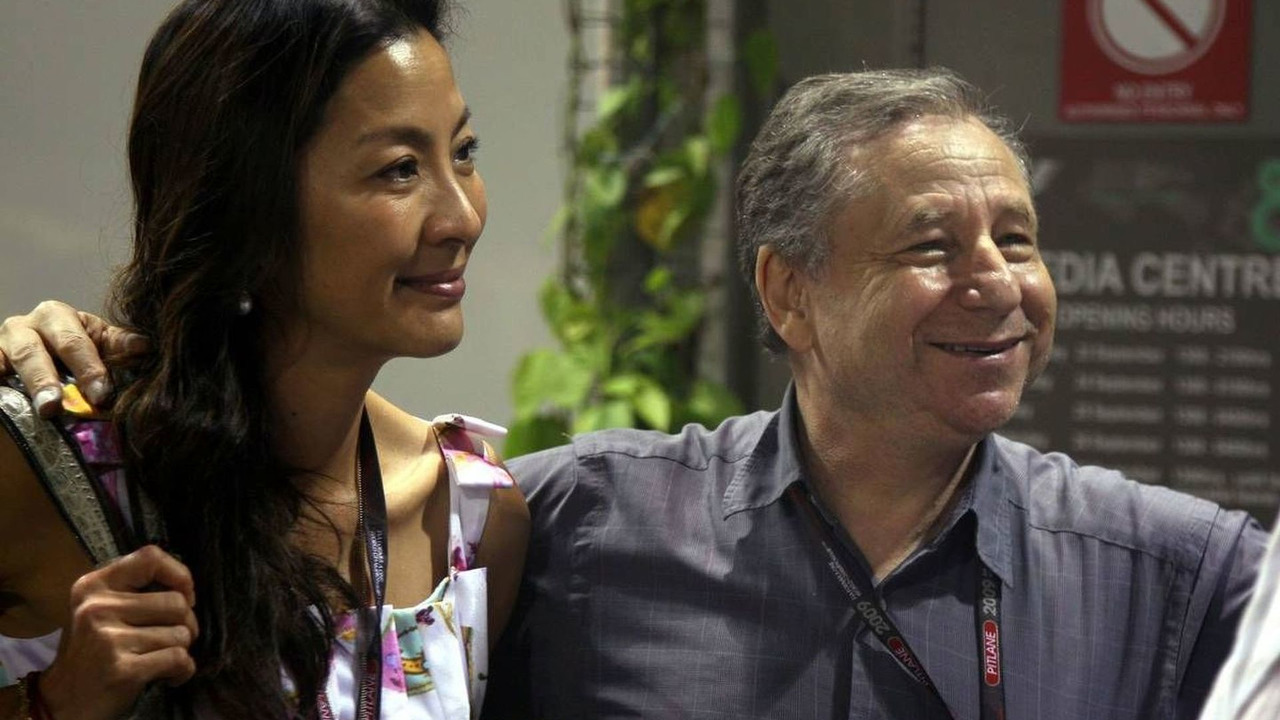 Jean Todt (FRA) and Michelle Yeoh wife of Jean Todt - Formula 1 World Championship, Rd 14, Singapore Grand Prix, Singapore, 26.09.2009