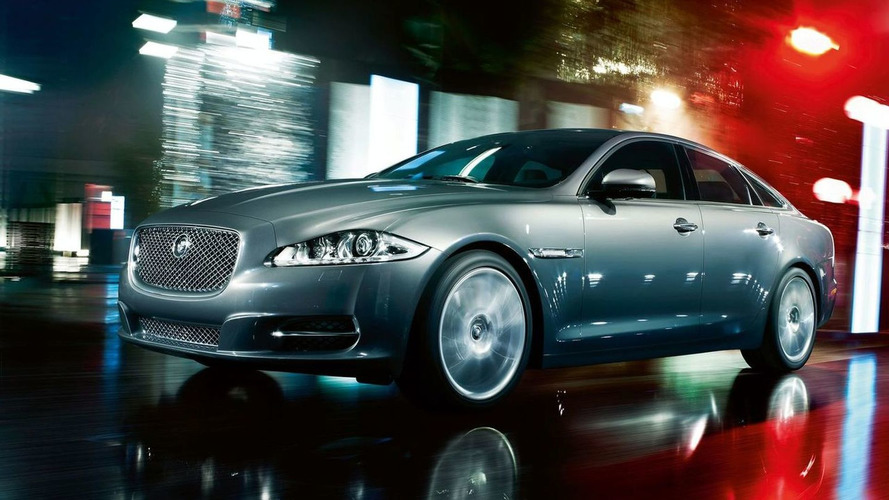 New 2010 Jaguar XJ on the streets of London [video]
