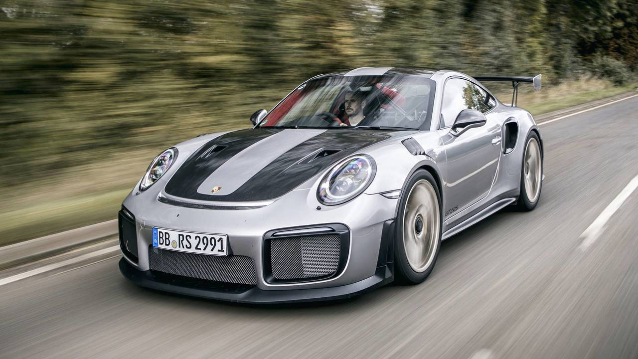 porsche 911 gt2 rs reaches 221 mph to prove it 39 s brutally fast. Black Bedroom Furniture Sets. Home Design Ideas