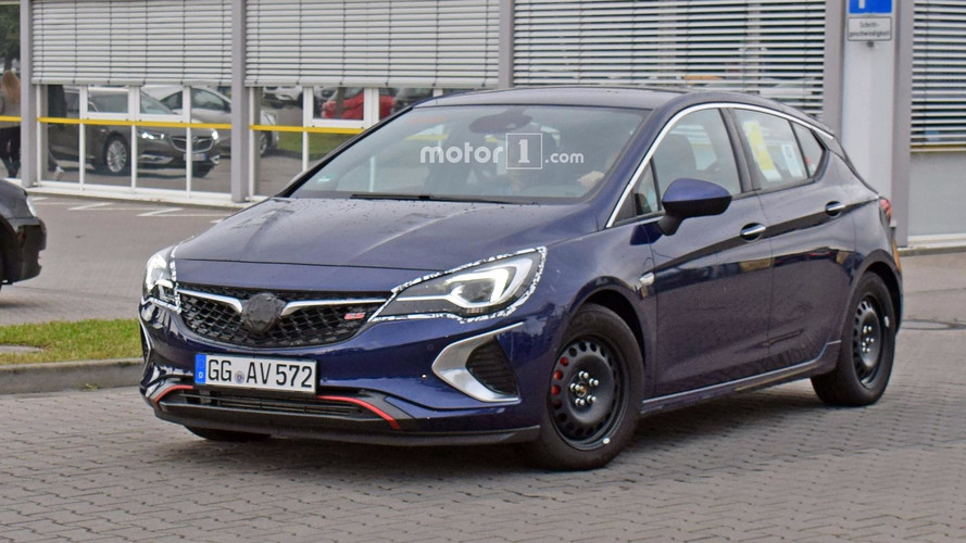 2018 Vauxhall Astra GSi Spotted With Minimal Camouflage