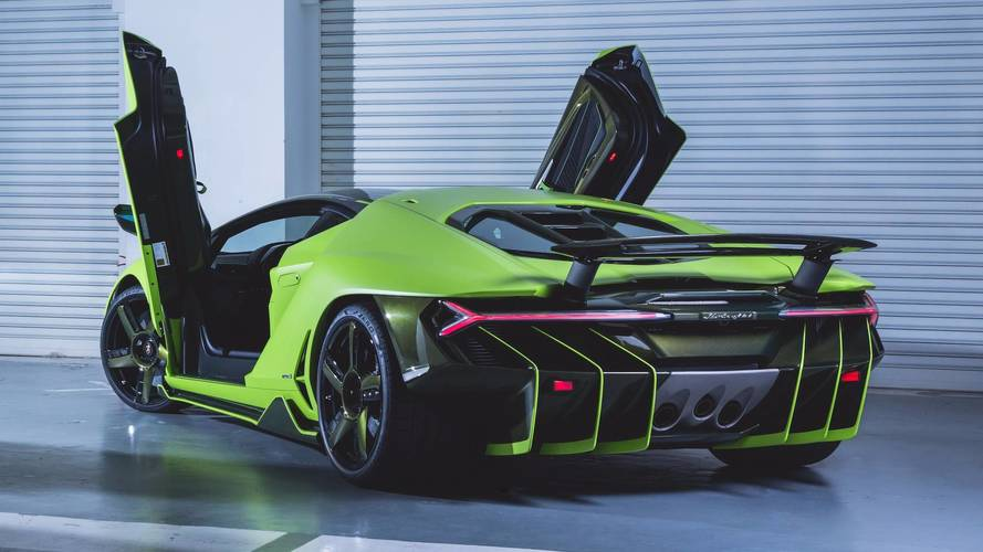 Un Lamborghini Centenario verde lima 'aterriza' en Hong Kong