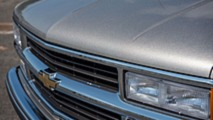 Corvette Motorlu Bir Chevrolet Tahoe